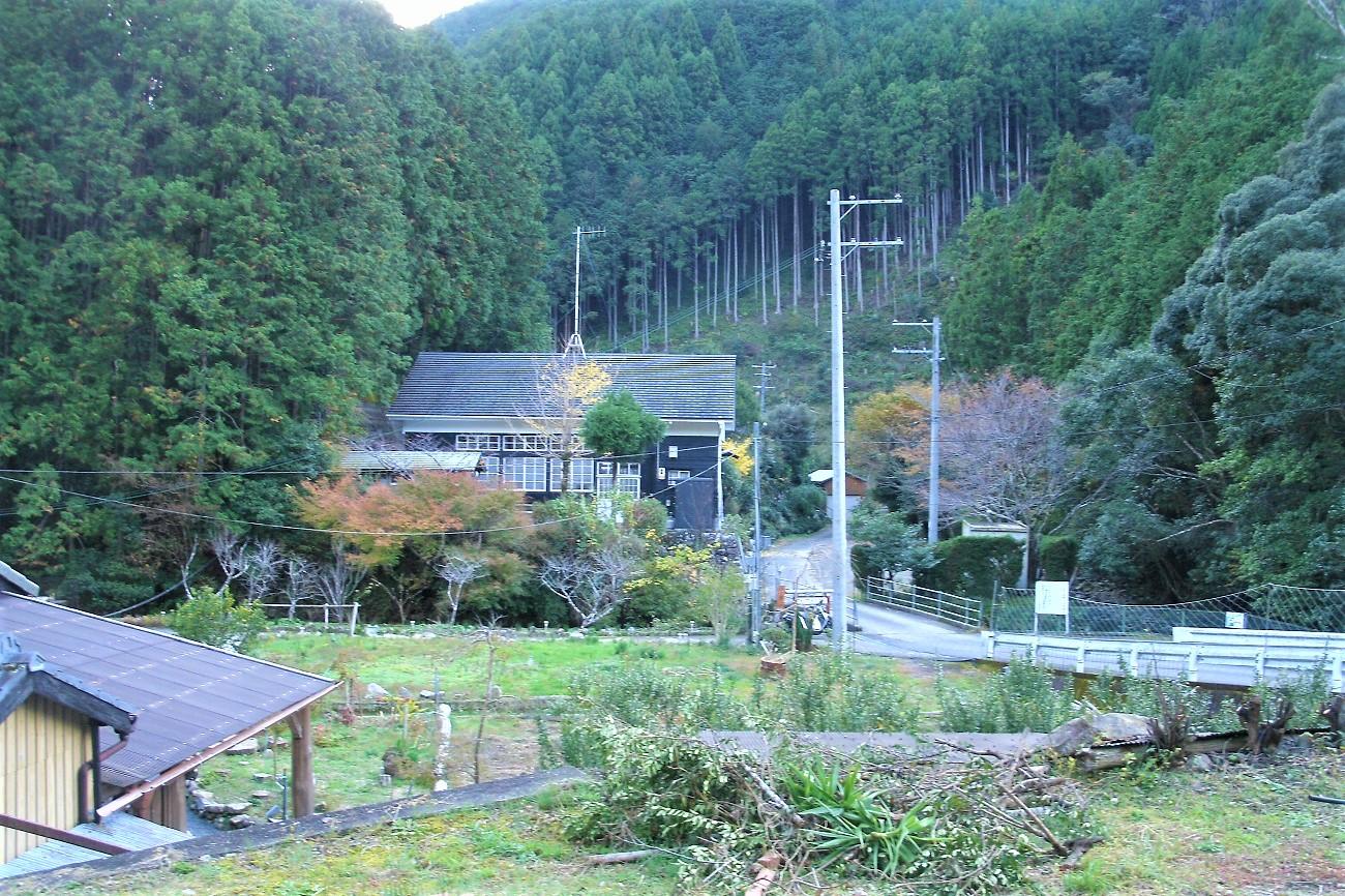 記事富田町立生馬小学校 芹山分校 閉校のイメージ画像