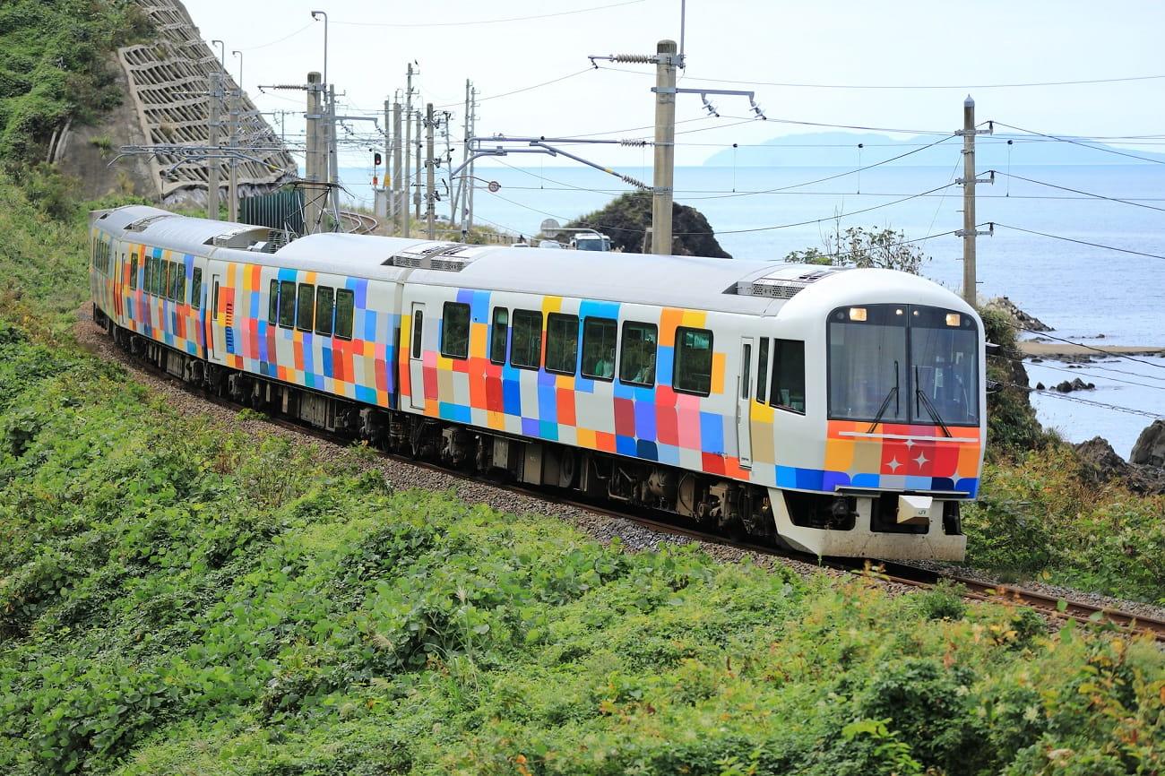 記事観光列車 きらきらうえつ 運行終了のイメージ画像
