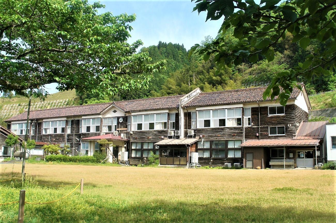 記事国府町立成器小学校 閉校のイメージ画像