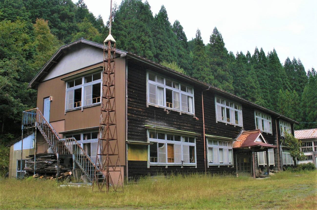 記事八幡町立小那比中学校 閉校のイメージ画像