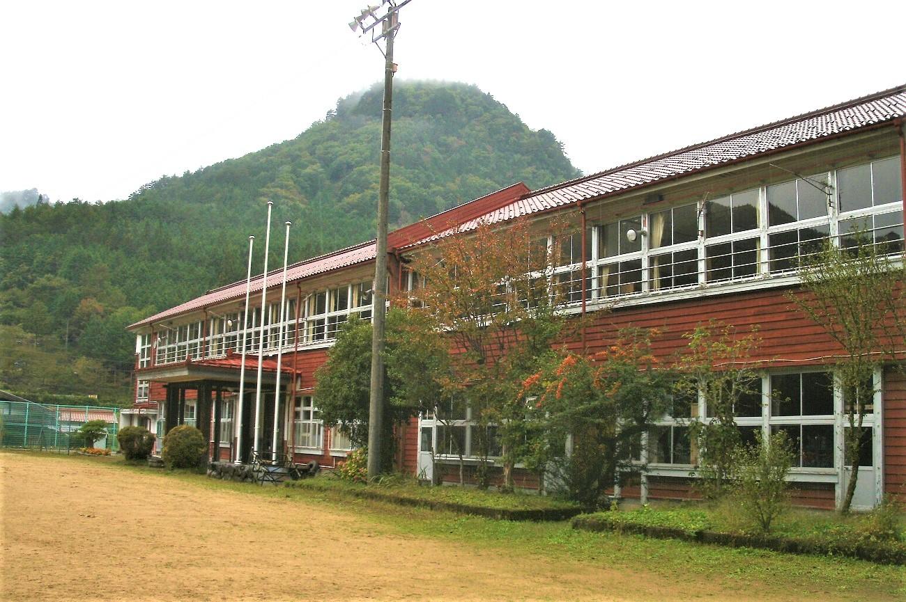 記事下呂市立湯屋小学校 閉校のイメージ画像