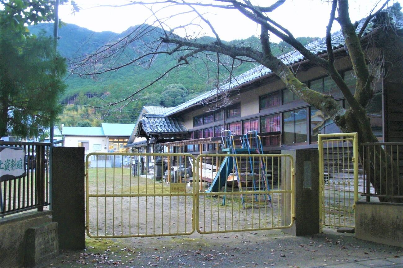 記事尾鷲市立曽根小学校 閉校のイメージ画像