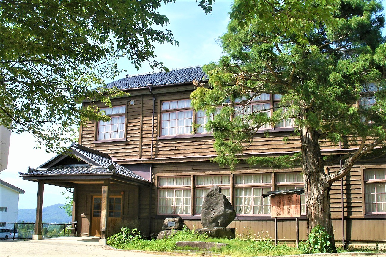 記事駒ヶ根市立中沢小学校 旧校舎 引退のイメージ画像