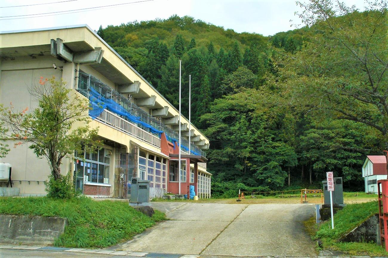 記事昭和村立昭和小学校・中学校 小野川分校 閉校のイメージ画像