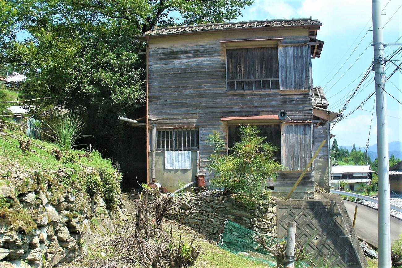 記事貞光町立端山小学校 猿飼分校 休校のイメージ画像