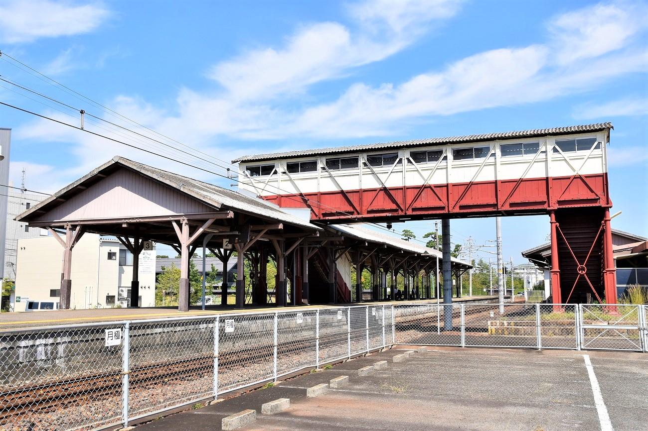 記事武豊線半田駅 跨線橋 引退/撤去のイメージ画像