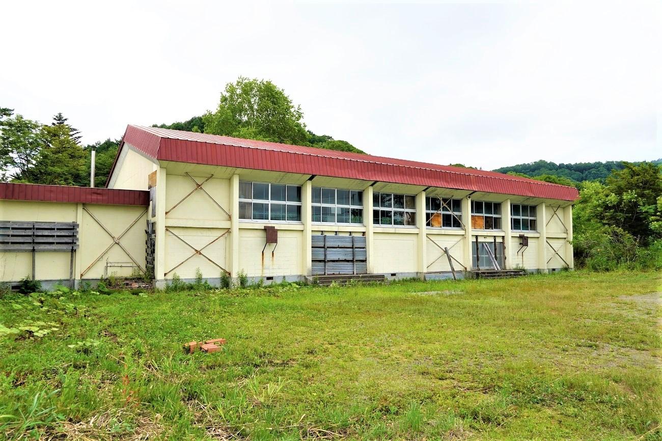 厚田村立発足小学校