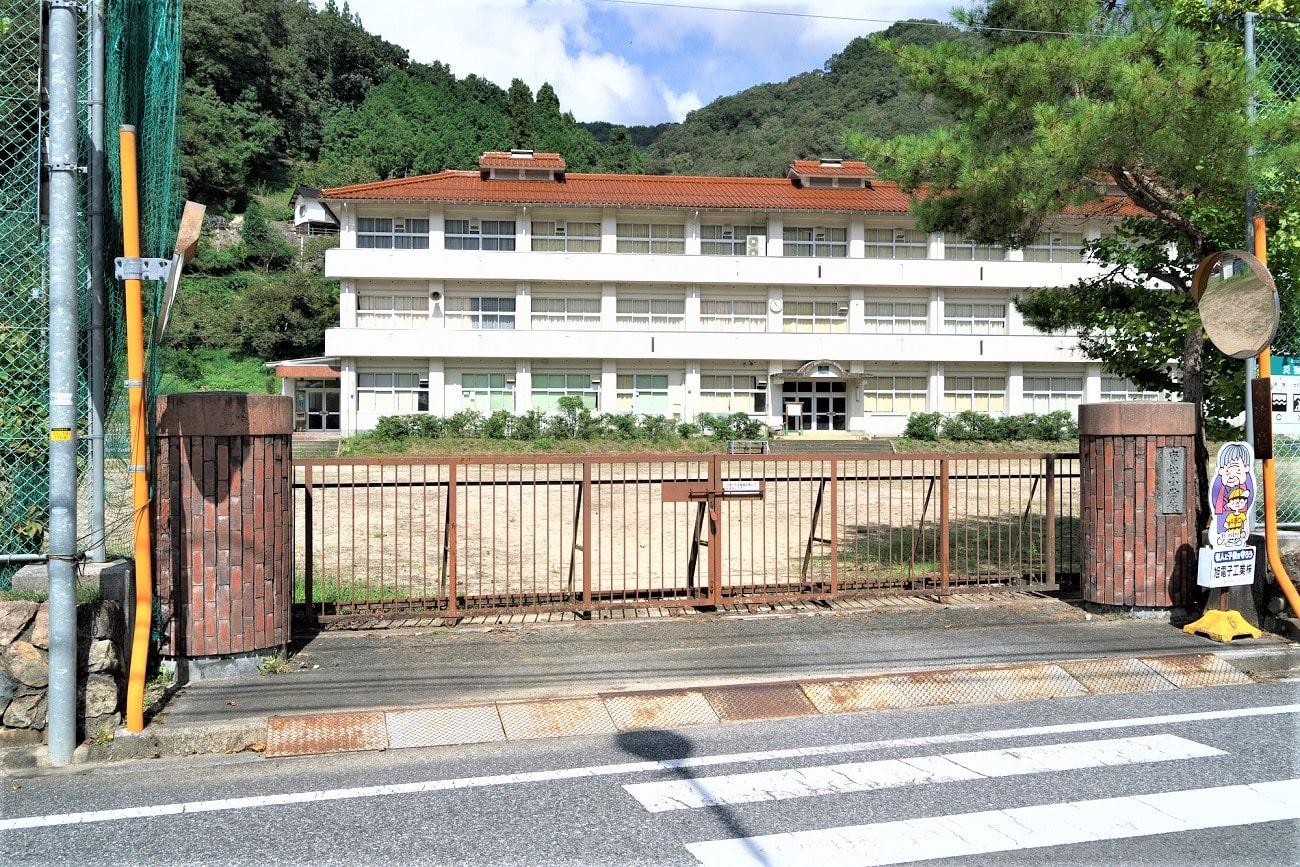 記事新見市立唐松小学校 閉校のイメージ画像