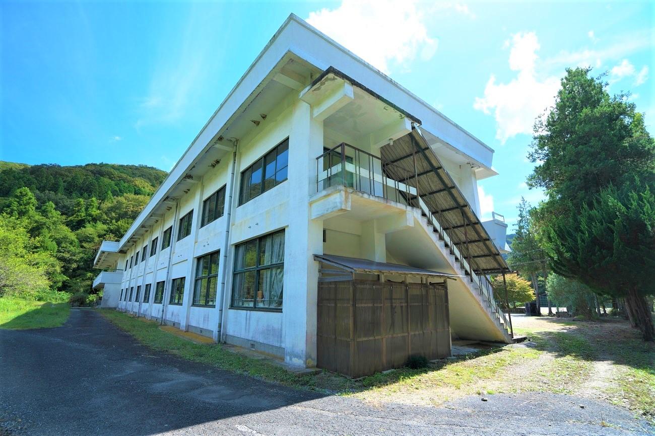新見市立神郷中学校